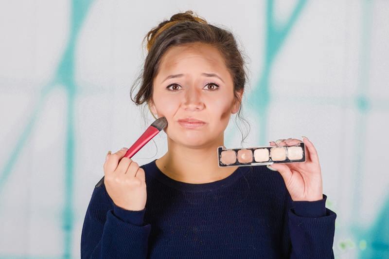 17 redenen om een hekel aan make-up te hebben en leuke (herkenbare) dingetjes... 3 tutorials 17 redenen om een hekel aan make-up te hebben en leuke (herkenbare) dingetjes...