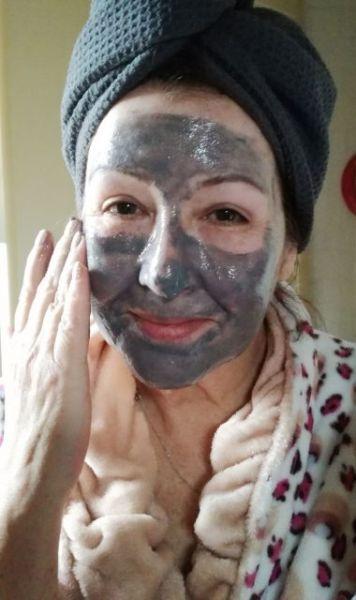 Bioré zelfverwarmend masker met natuurlijke houtskool