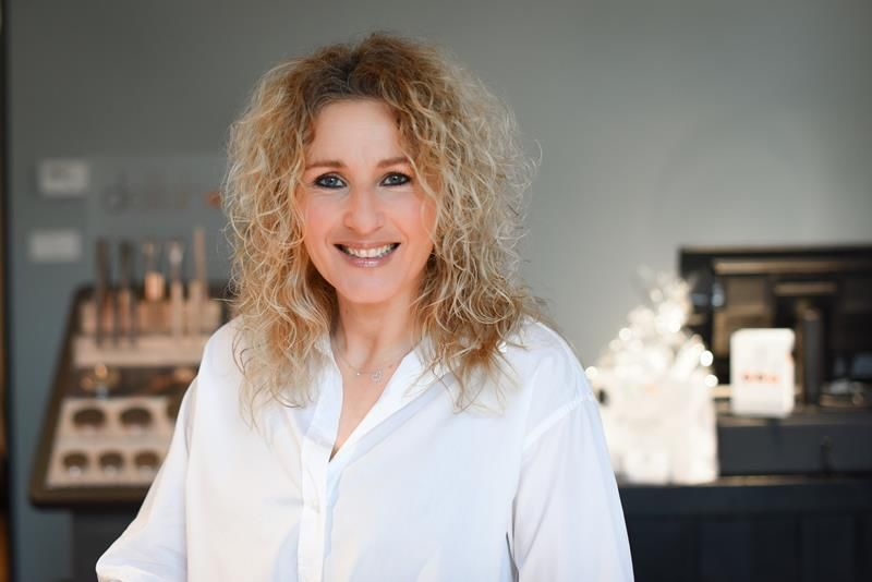 Manuela van der Gugten BlushenCo
