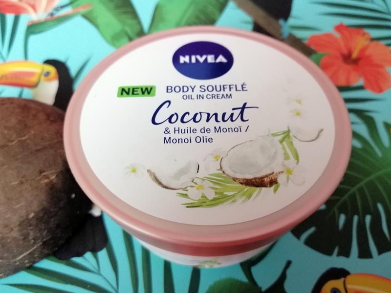 NIVEA Body Soufflés- Cherry Blossom Jojoba Olie & Coconut Monoi Olie 5 cherry blossom NIVEA Body Soufflés- Cherry Blossom Jojoba Olie & Coconut Monoi Olie